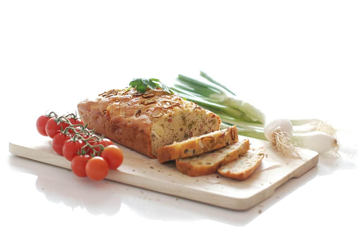 Pastel salado de jamón, queso y guisantes con Thermomix ®
